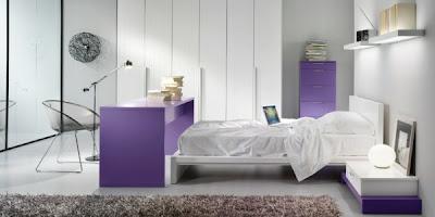habitación juvenil púrpura