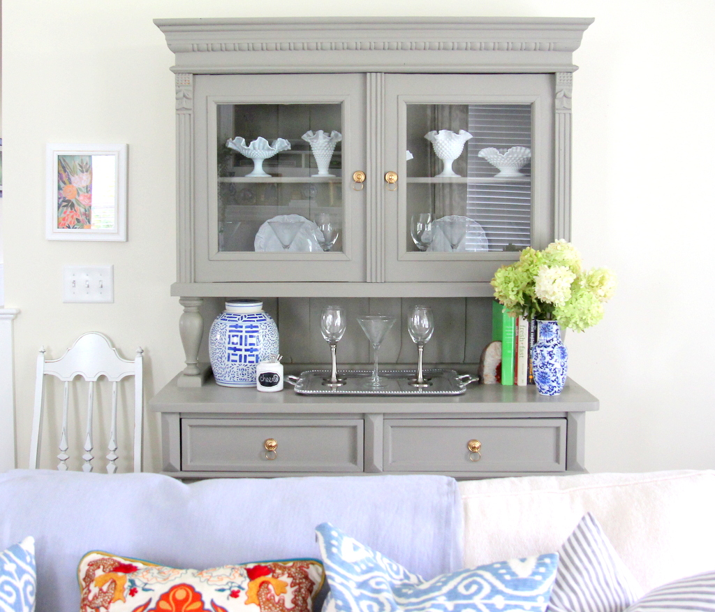 Miss Dixie: Chalk Paint Hutch