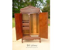 b e interiors smokey bear becomes the baroness. Black Bedroom Furniture Sets. Home Design Ideas