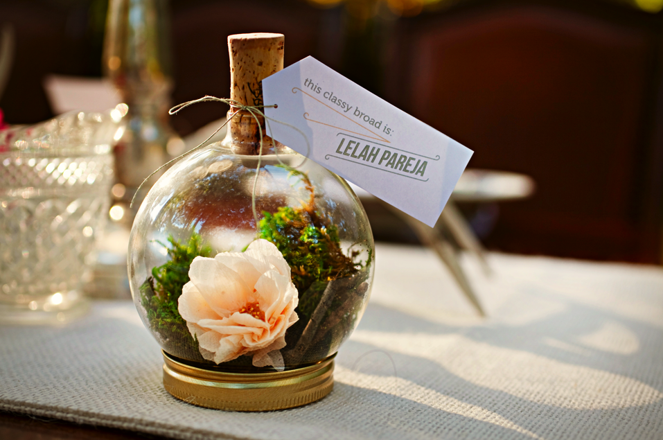 Your own custom terrarium place card holder Fill with flowers to compliment