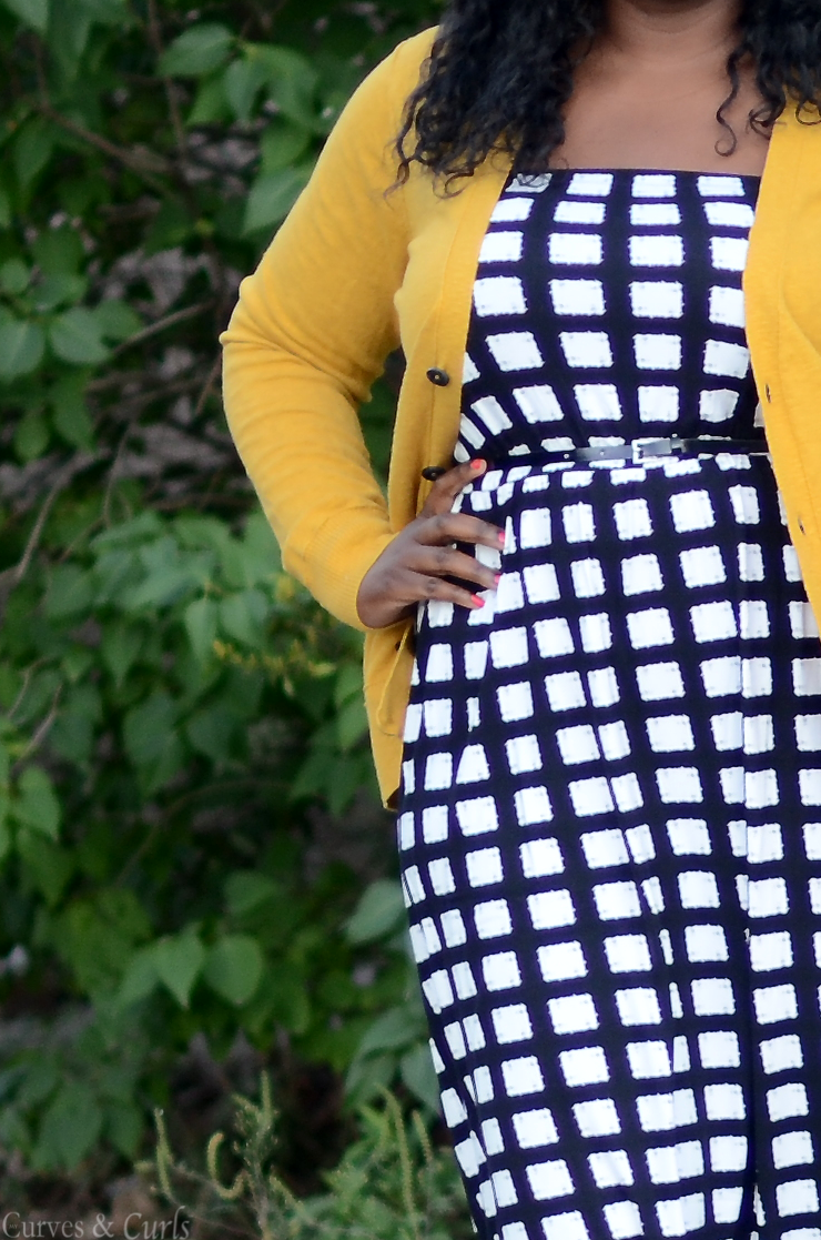 How to wear a #mustard #cardigan Plus size fashion for women #Asoscurve dress in check #plussize #fashion #curves #Falloutfits #mycurvesandcurls #Assacisse