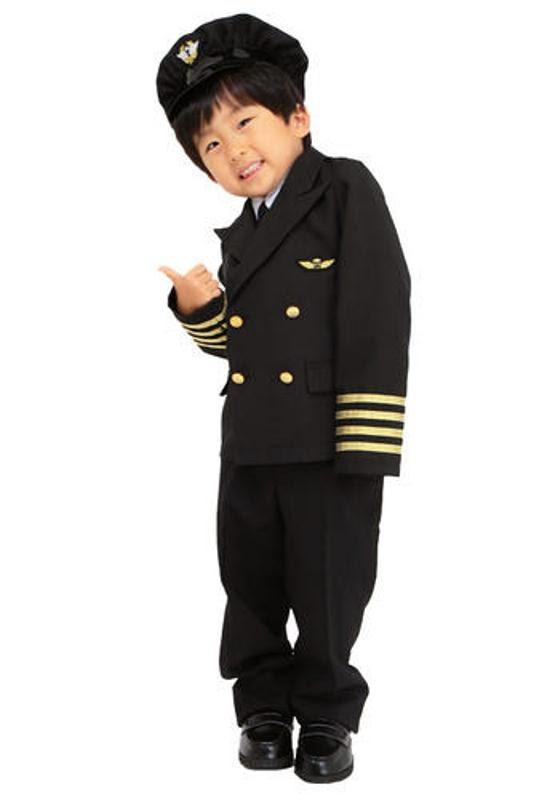 Foto lucu anak kecil memakai baju pilot keren banget