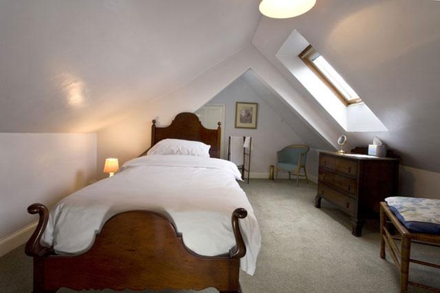 Beautiful pleasant bedrooms of the world best bedrooms hq for Popular bedroom wallpaper