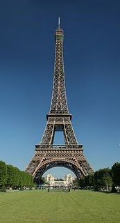 من بنى برج إيفل؟
