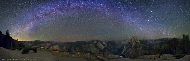 Dải Ngân Hà trên bầu trời Vườn quốc gia Yosemite, California. Tác giả : Wally Pacholka.