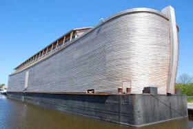 """هولندي يشيد """"سفينة نوح"""" خشية 10.jpg"""