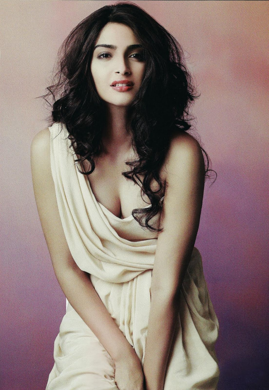 spoke of bollywood celebrities: sonam kapoor hot photoshoot video