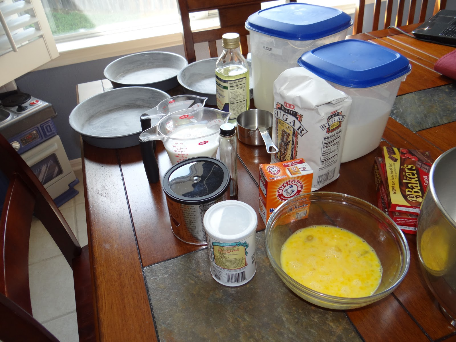 Can You Use Pam To Grease And Flour Cake Pans