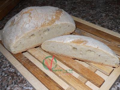 Pan blanco básico elaborado con masa madre.