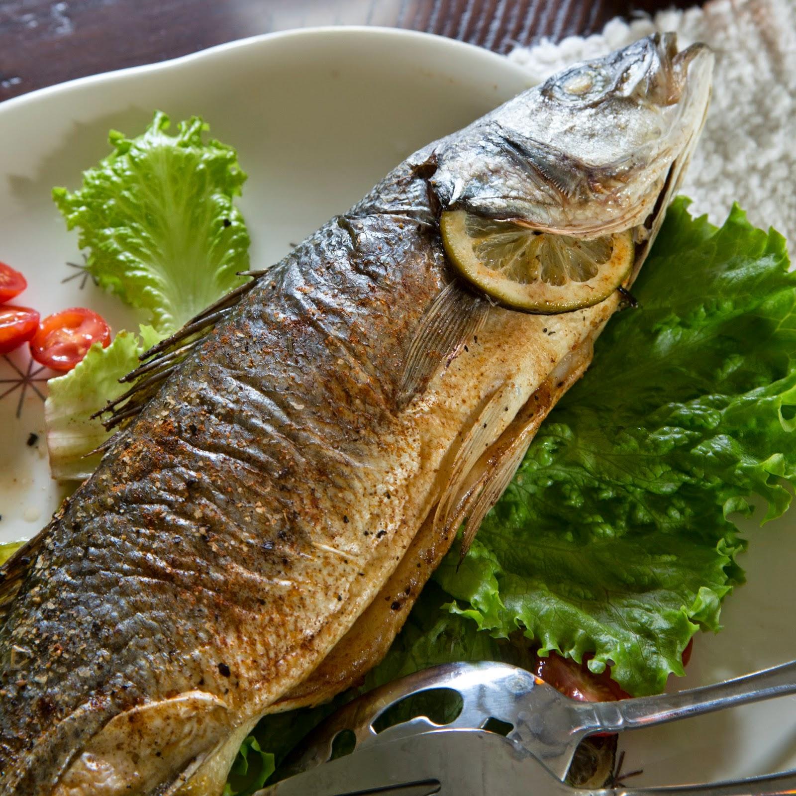 Showfood chef simple whole roasted branzino for What is branzino fish