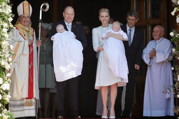 royals fashion bapt me du prince jacques et de la princesse gabriella monaco. Black Bedroom Furniture Sets. Home Design Ideas
