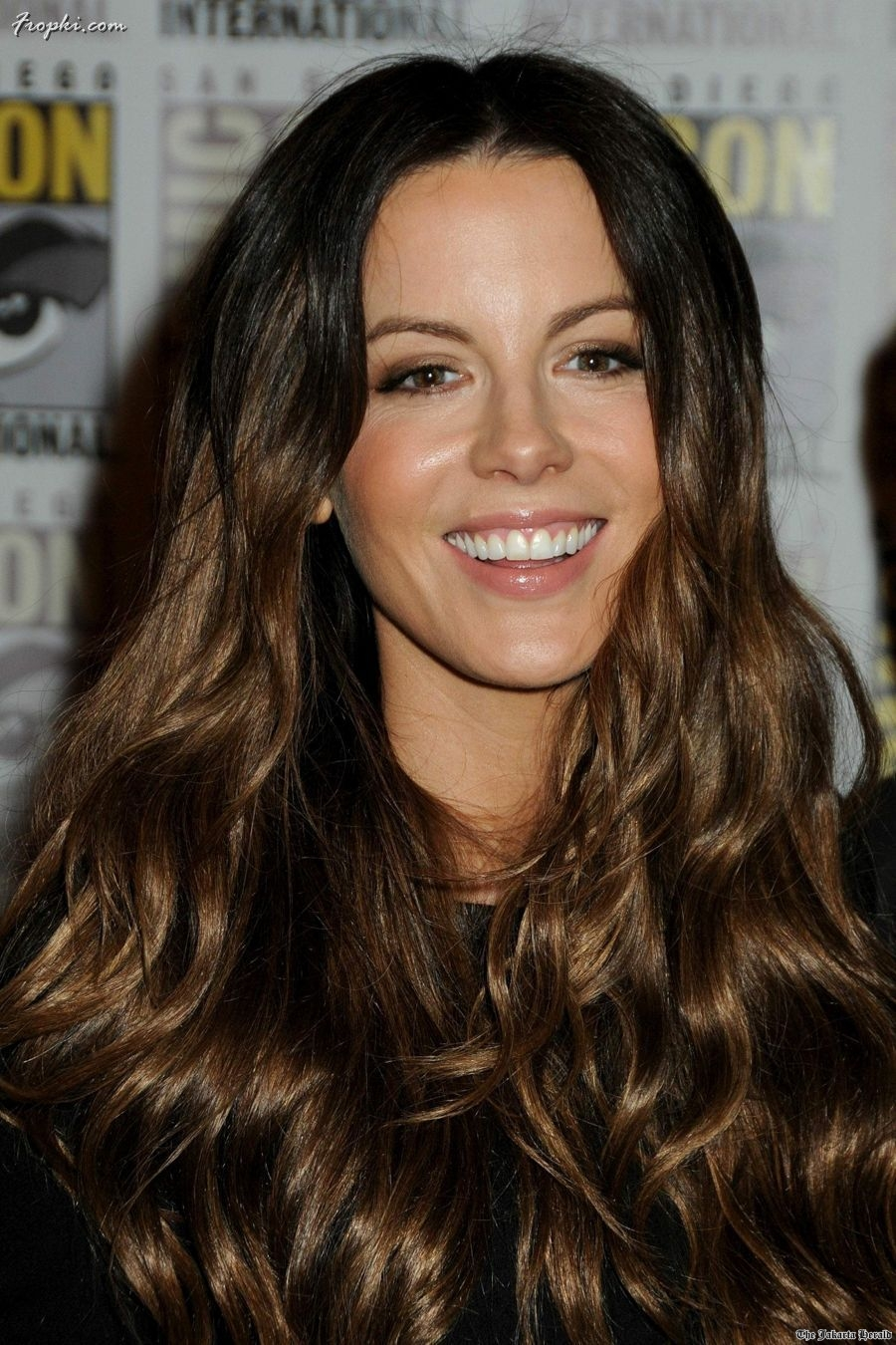 Latest Long and Curly Hairstyles looks 2012