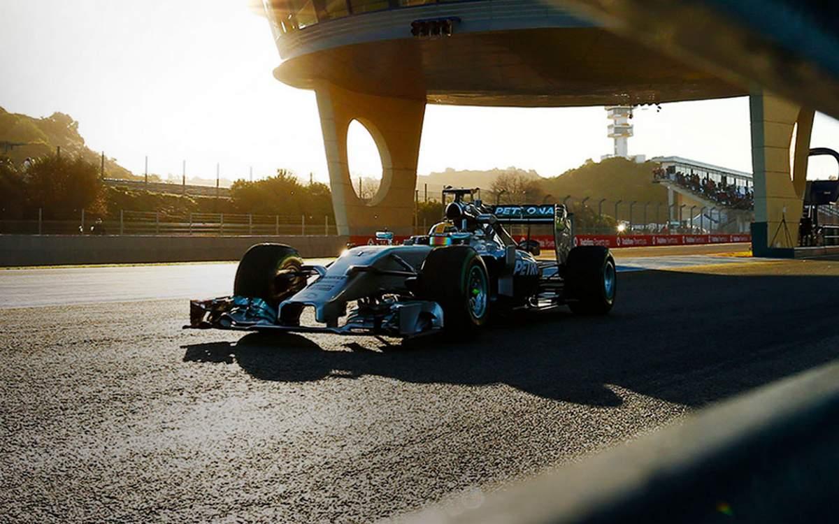 Mercedes F1 2014 - Lewis Hamilton