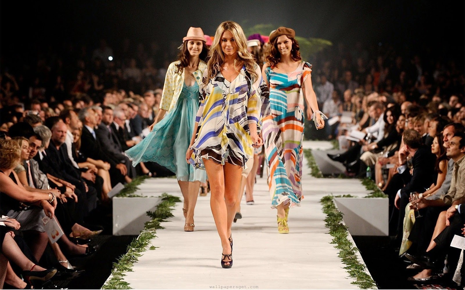 fashion show models pictures