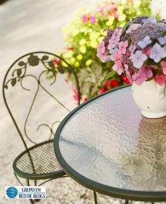 Agrega flores de colores a tu jardín o patio