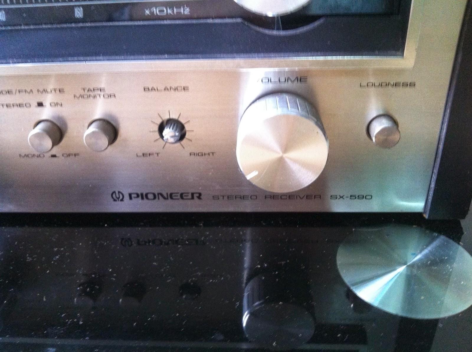 Cận cảnh Amply Pioneer SX-590