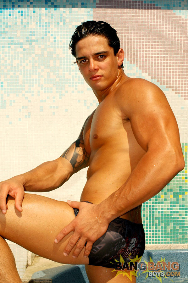 gay bodybuilder muscle porn