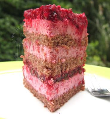 Tortenstück Himbeer-Sahne-Torte