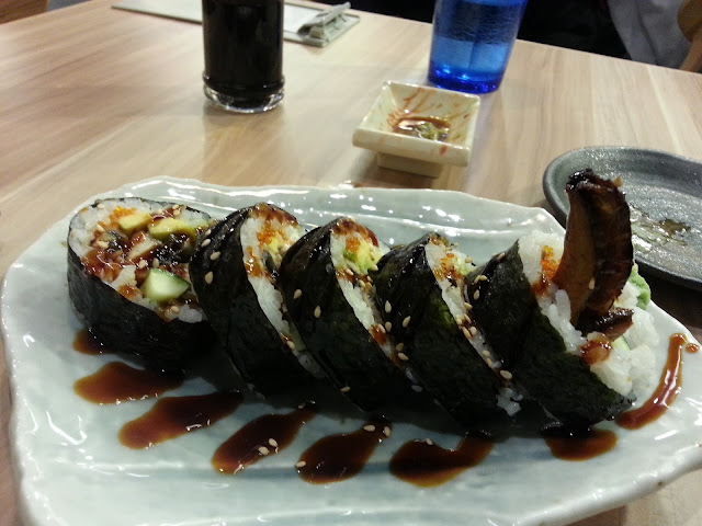 the sushi bar unagi avocado roll