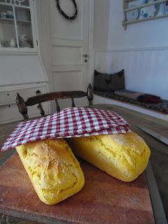 saffrans bröd, matbröd med saffran
