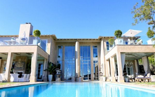 Lisa Vanderpumps new Beverly Hills home T a n y e s h a : lisa1 from a-touch-of-luxe.blogspot.se size 600 x 376 jpeg 64kB