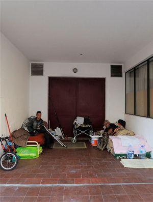 Algarve, junto aos Vilamoura Luxury Resorts, em Quarteira Loulé, Autarquia PSD, Deficientes Amputados Vivem e Dorme na Rua Sem Qualquer Apoio, Politica Solidariedade Social de Autarquia PSD