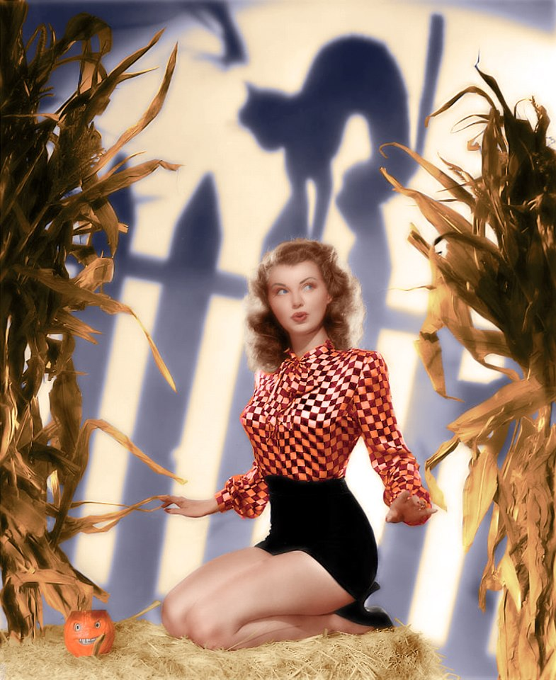 Fashion and action vintage halloween hollywood glam pin ups - Pin up style ...