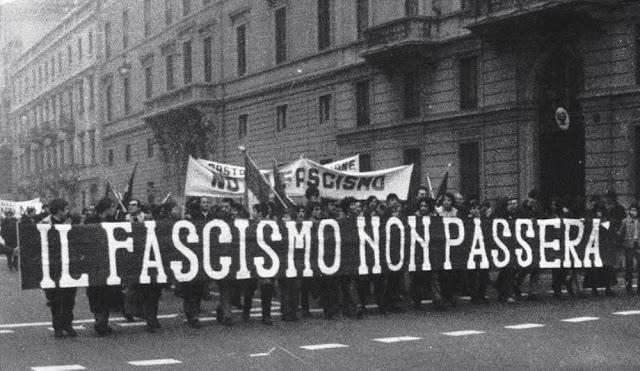 http://1.bp.blogspot.com/-aUZoApZzflo/UcP4Ms0vDkI/AAAAAAAAEAQ/0Nd3qfY0llM/s1600/o+fascismo+n%C3%A3o+passar%C3%A1+-+il+fascismo+non+passera.jpg