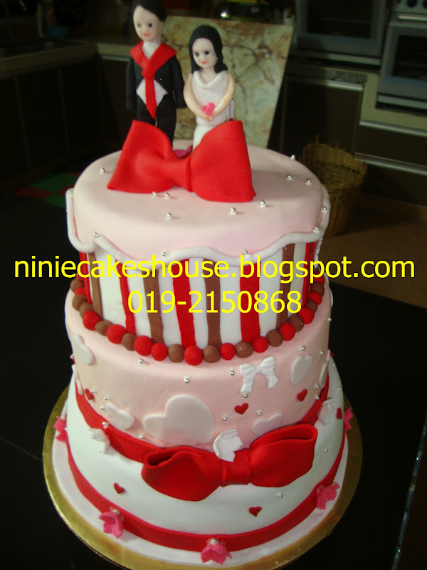 ninie cakes house 3 tier wedding cake figurin
