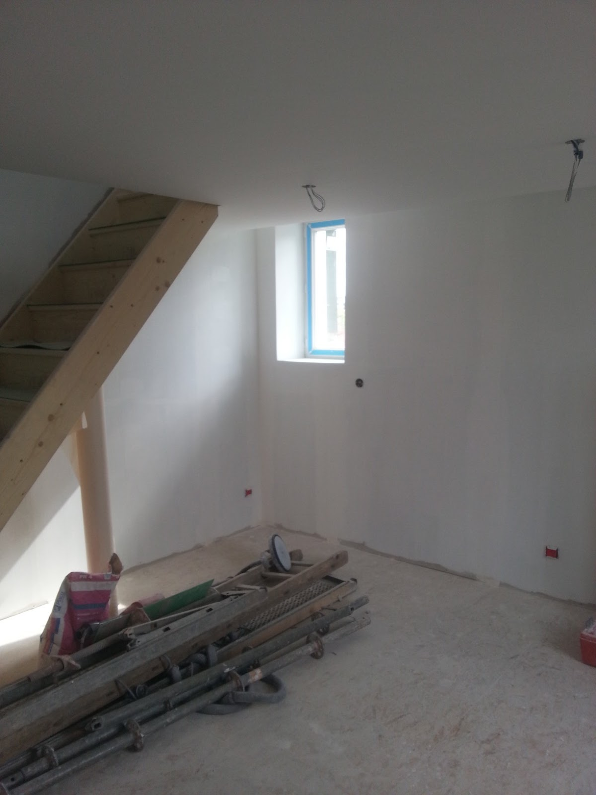 b t s sous couche seul pour les murs et sous couche. Black Bedroom Furniture Sets. Home Design Ideas