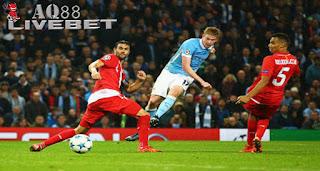 Agen Piala Eropa - Manchester City meraup kemenangan keduanya di fase grup setelah mengalahkan Sevilla dengan skor 2-1