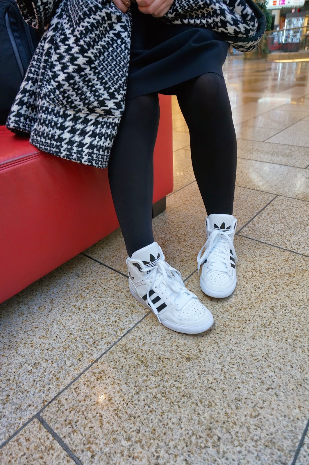 Adidas Extaball Outfit
