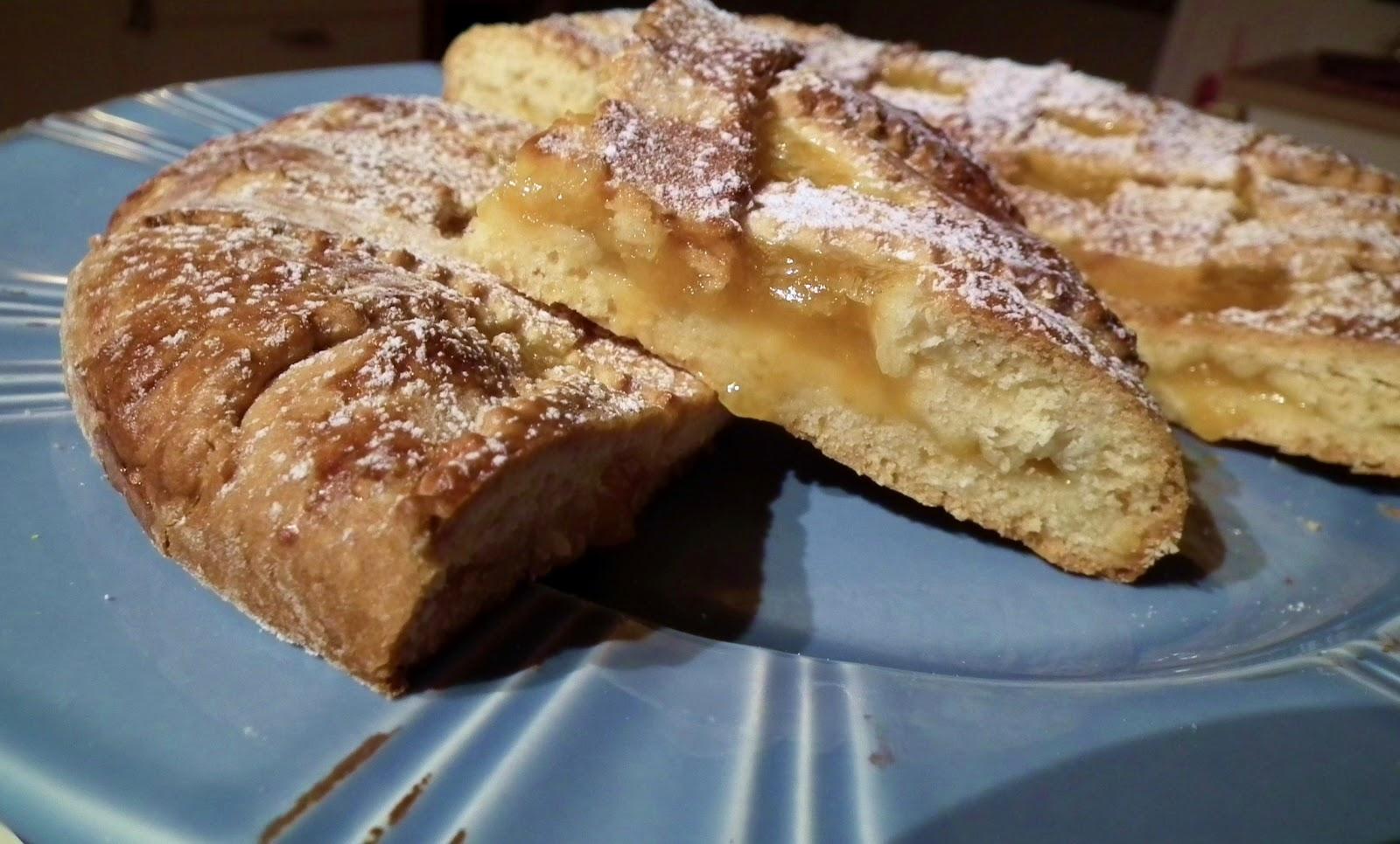 crostata con farina di cocco e marmellata di albicocche ( senza burro e latticini)