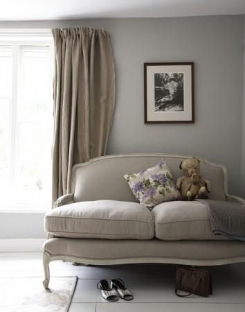 Bon Monochromatic Scheme And Vintage Furniture Create An Elegant Interior For  This Farmhouse.