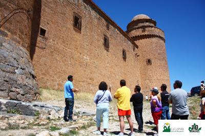 Vistas del Castillo Palacio de La Calahorra en el Marquesado del Zenete - Visita Camping La Lomilla con Senedtur