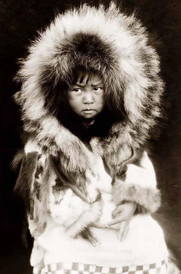 eskimo and inuit Dna suggests all early eskimos migrated from north slope first evidence to genetically tie all inuit populations to north slope.