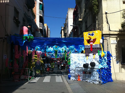 He lives in a Pineapple under the sea - Barcelona Sights Blog