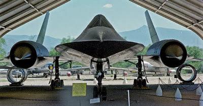 LockHeed SR-71 Blackbird in a Winger