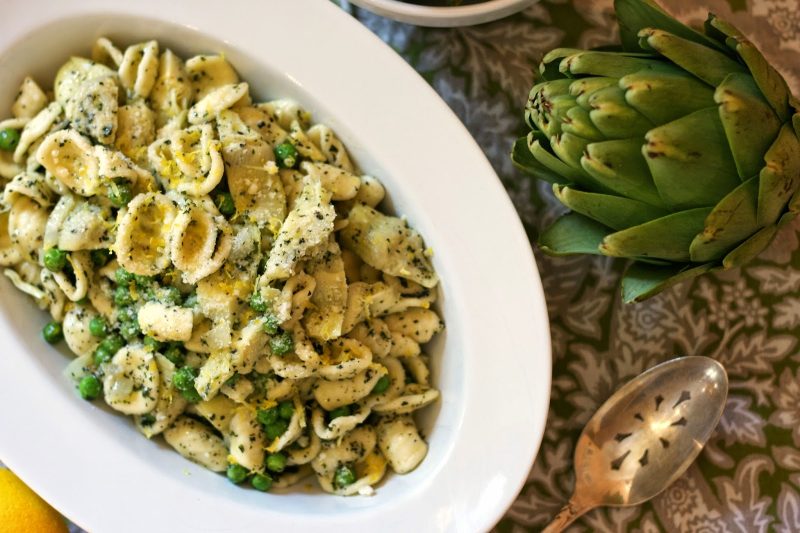 Pasta with Artichokes, Peas & Mint Pesto- simplelivingeating.com