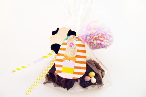 Easter treat gift bag making my life as a magazine for the non chocolate eaters in my family i baked some whoopie pies with jam and cream decorated in hundreds and thousands yum negle Gallery