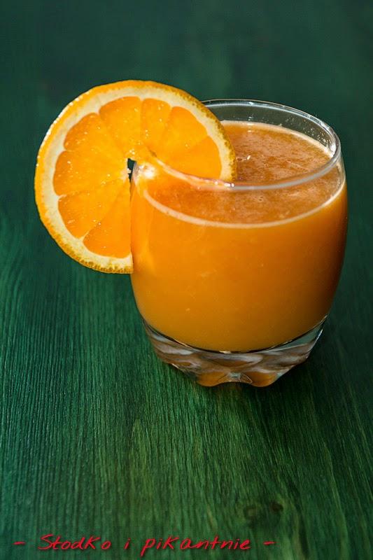 sok pomarańczowy z marchewką i jabłkiem