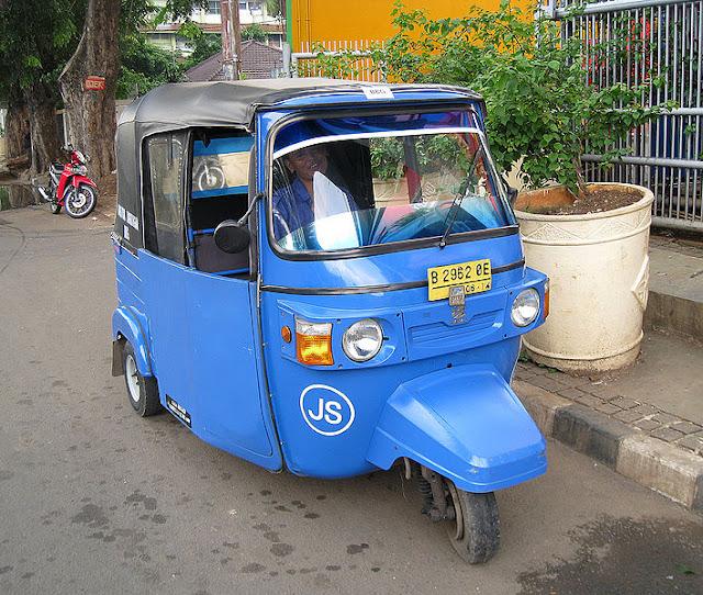 Gambar Kendaraan Roda Tiga Bajaj