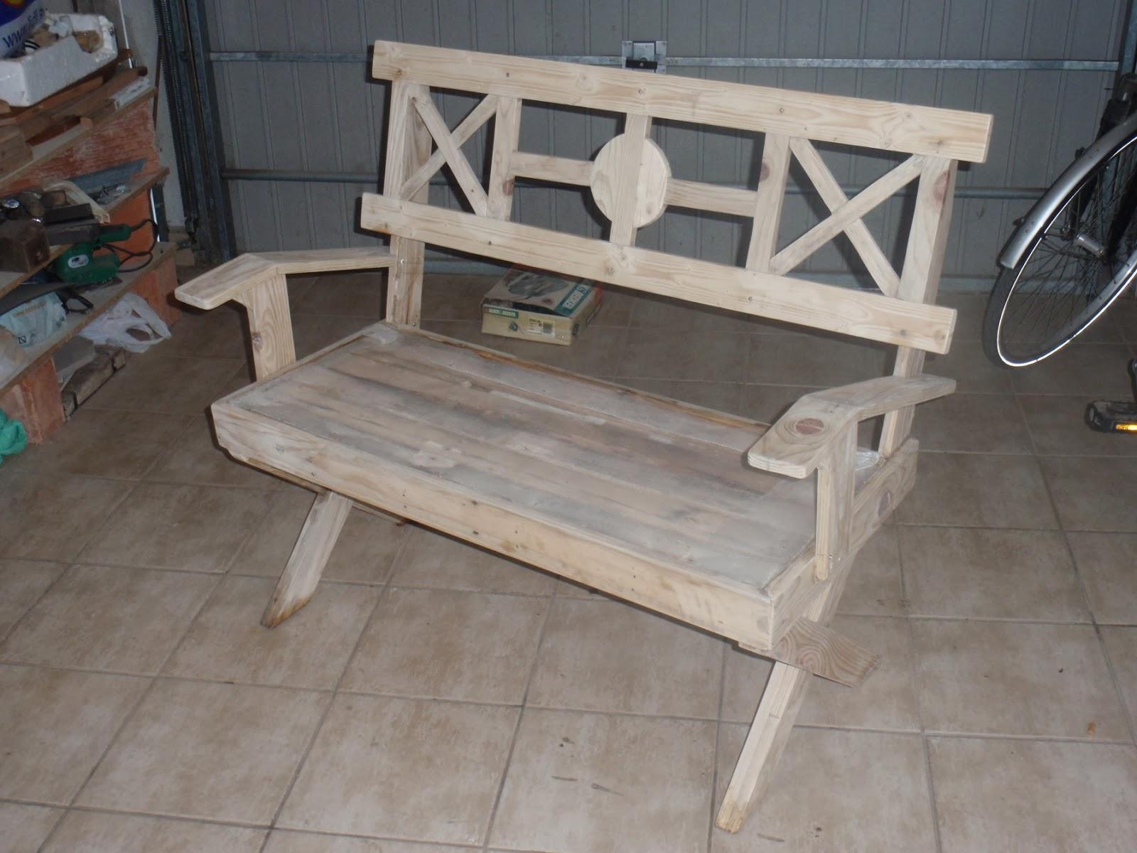 Banco de madera con azulejos finished - Banco de madera ...