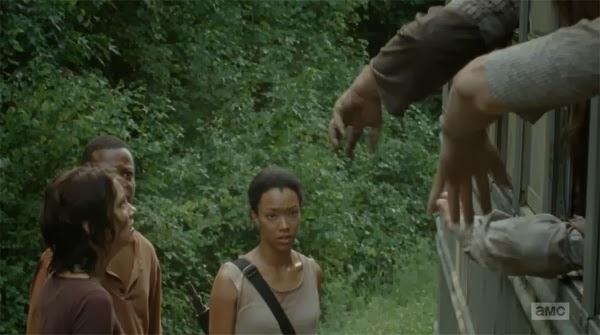 """Bob, Sasha y Maggie en """"Inmates"""" el decimo episodio de la cuarta temporada de THe Walking Dead"""