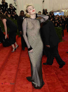 Miley Cyrus Pictures at 2013 Met Gala in New York  0005