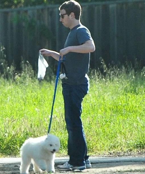 Kisah Mark Zuckerberg Pendiri Facebook dan Anjing Peliharaannya Bernama Beast