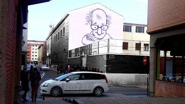 Quino mirando a los peques, 2013 Abbé Nozal