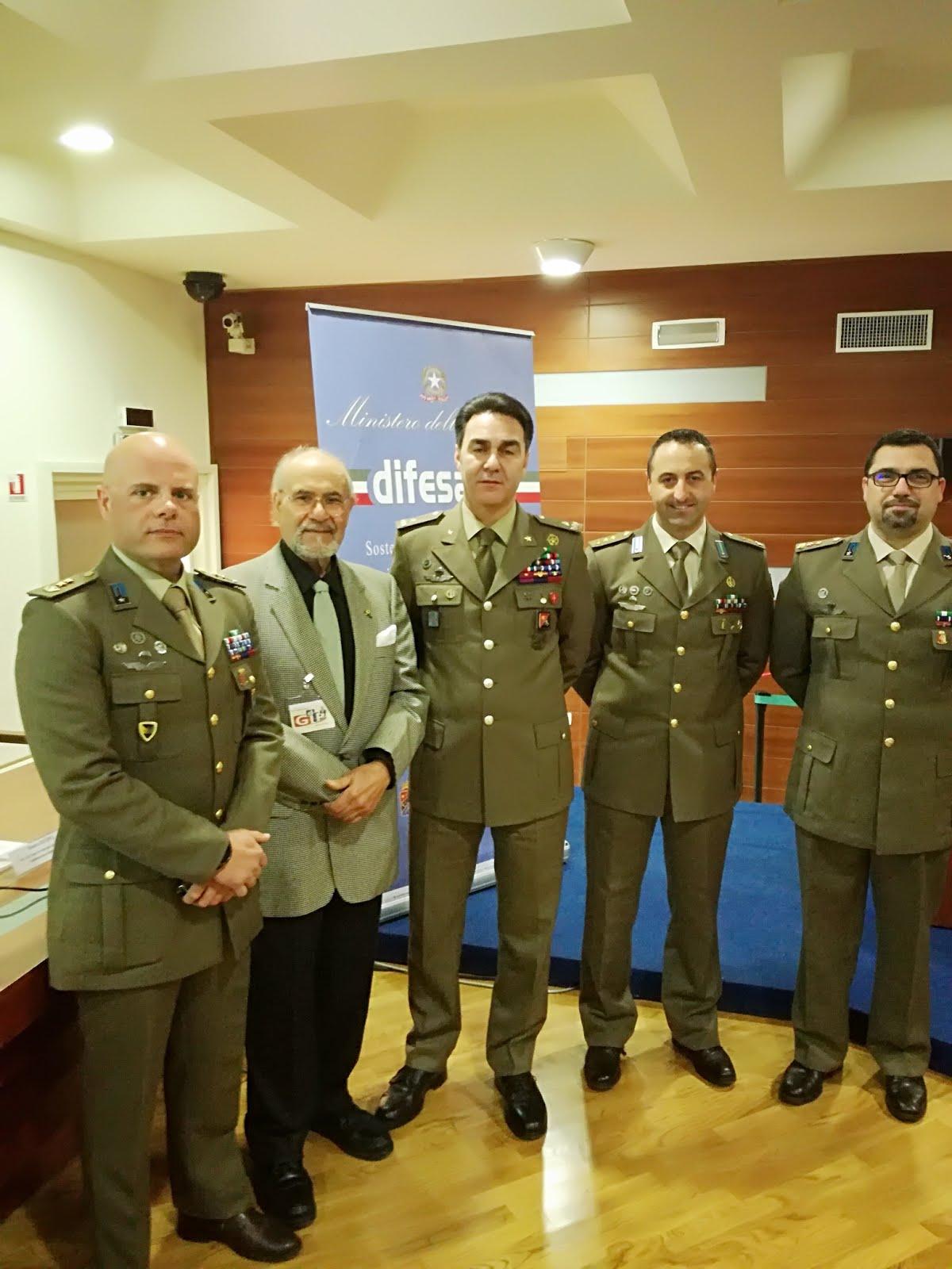 Il Gen. Rainò con lo staff del Comando Militare Esercito