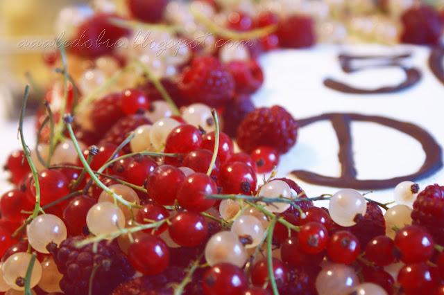 tort porzeczkowo-smietankowy aaaledobre.blogspot.com
