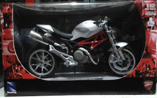 Miniatur Motor Sport Ducati Monster